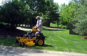 Lawn Maintenance Elkhart, Bristol and Middlebury Indiana